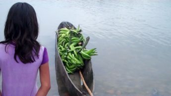 No, we didn't all have to pile into this little canoe, this was temporary plantain storage.